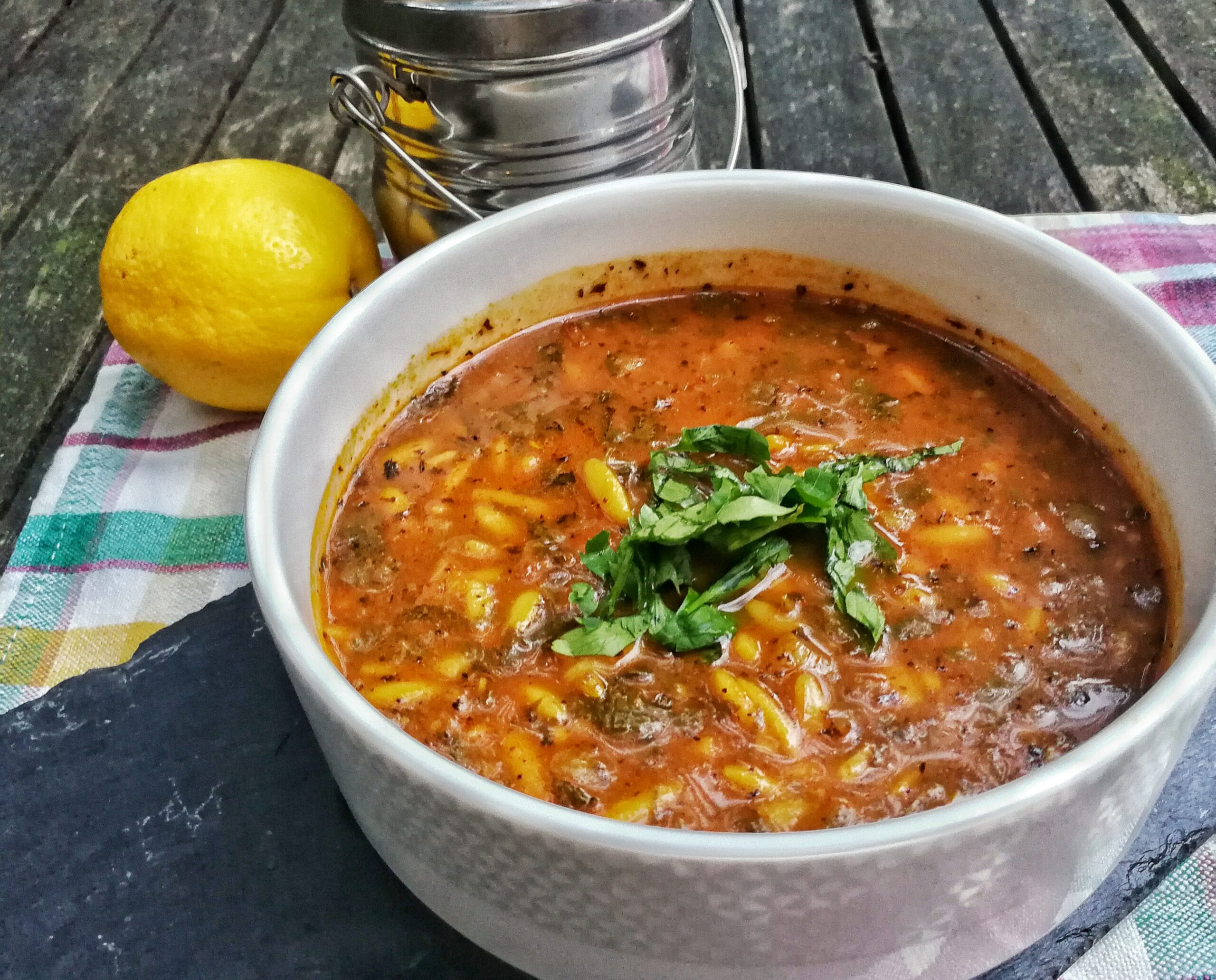 Community building through food sharing + Libyan spicy bird's tongue soup (lsan asfour)